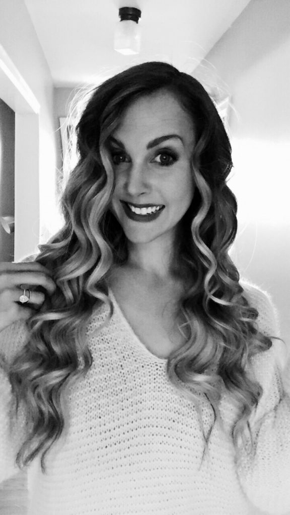 Hair tutorial how to get perfect loose curls with a curling wand your hair should look like this when youve done curling in tight spirals which will be brushed out to achieve the desired look urmus Gallery